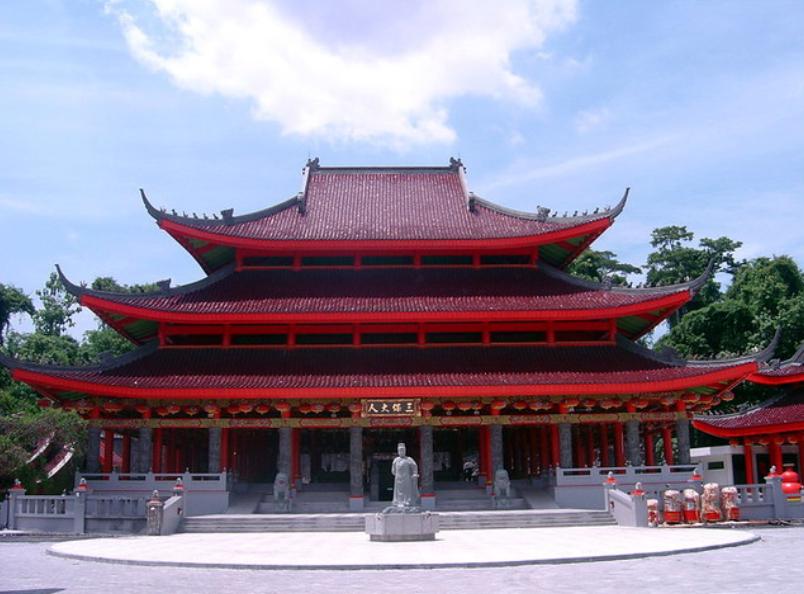 The historic sam poo kong temple