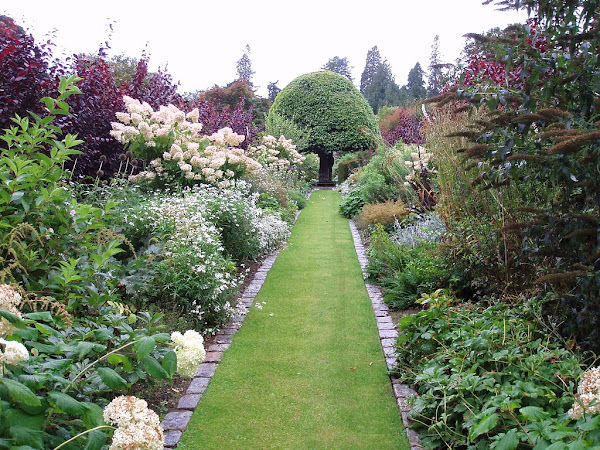 A Garden You Can Finally Spend The Summer In
