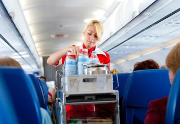 Alimentação em avião.jpg