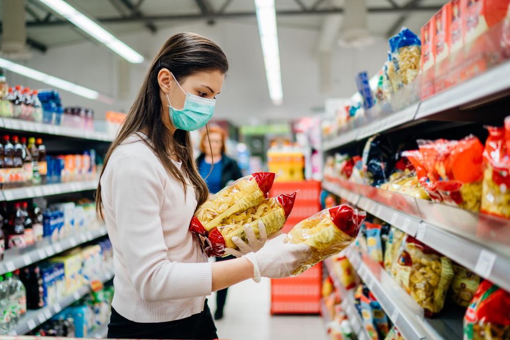 Pesquisa investigou como a pandemia alterou os hábitos alimentares e o impacto na saúde. (Fonte: Shutterstock/eldar nurkovic/Reprodução)