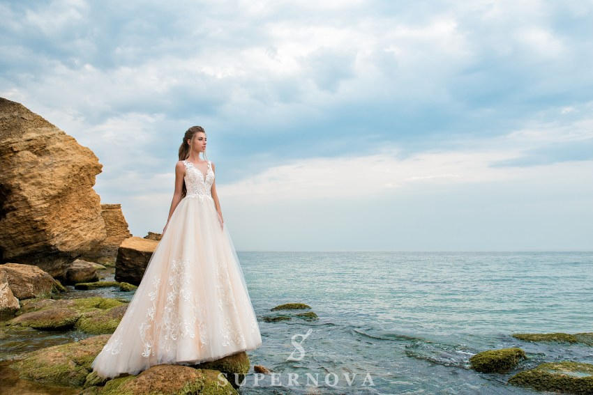 Свадебное платье от Supernova оптом