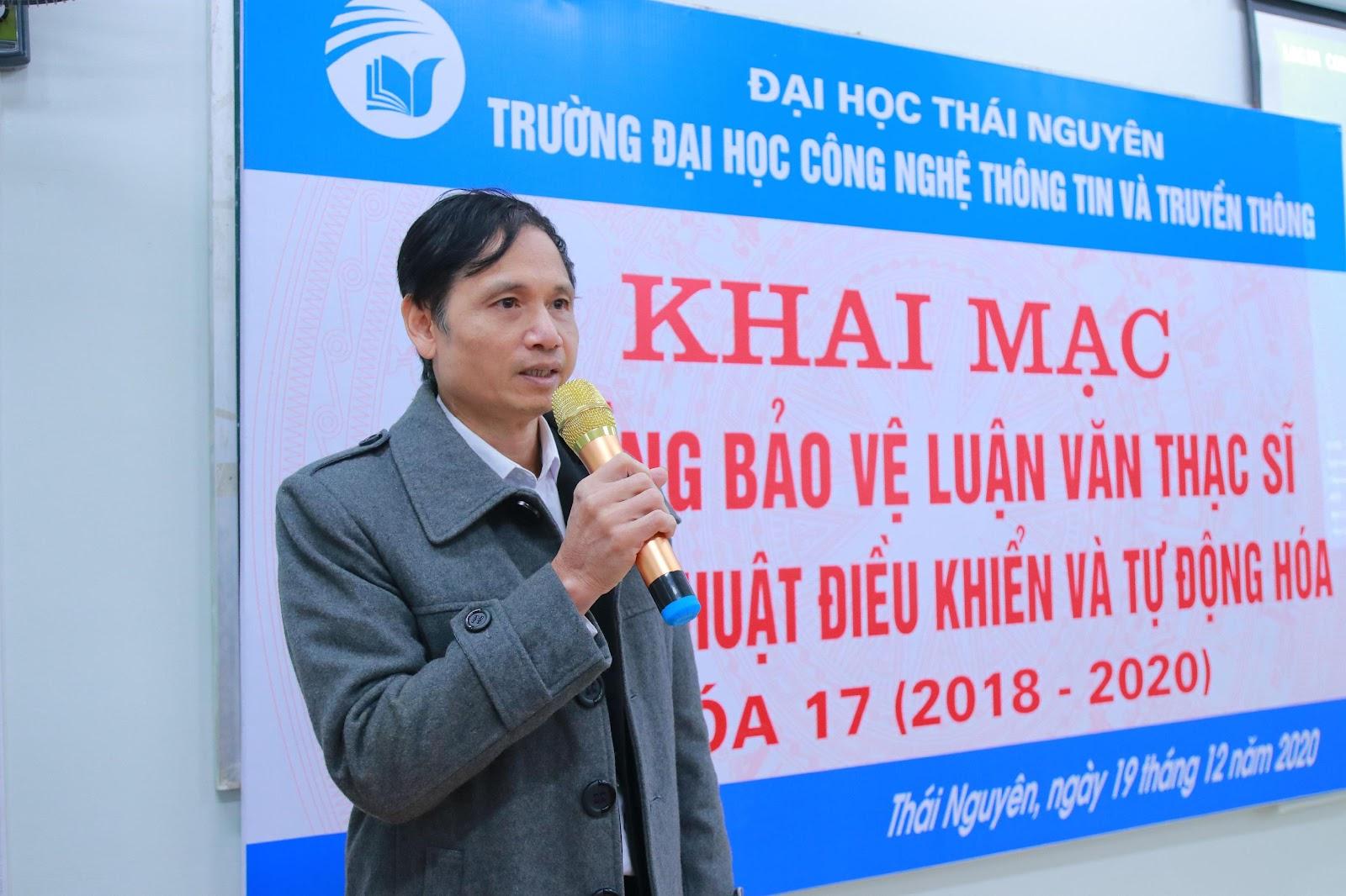 TS. Vũ Đức Thái – Phó Hiệu trưởng nhà trường phát biểu khai mạc