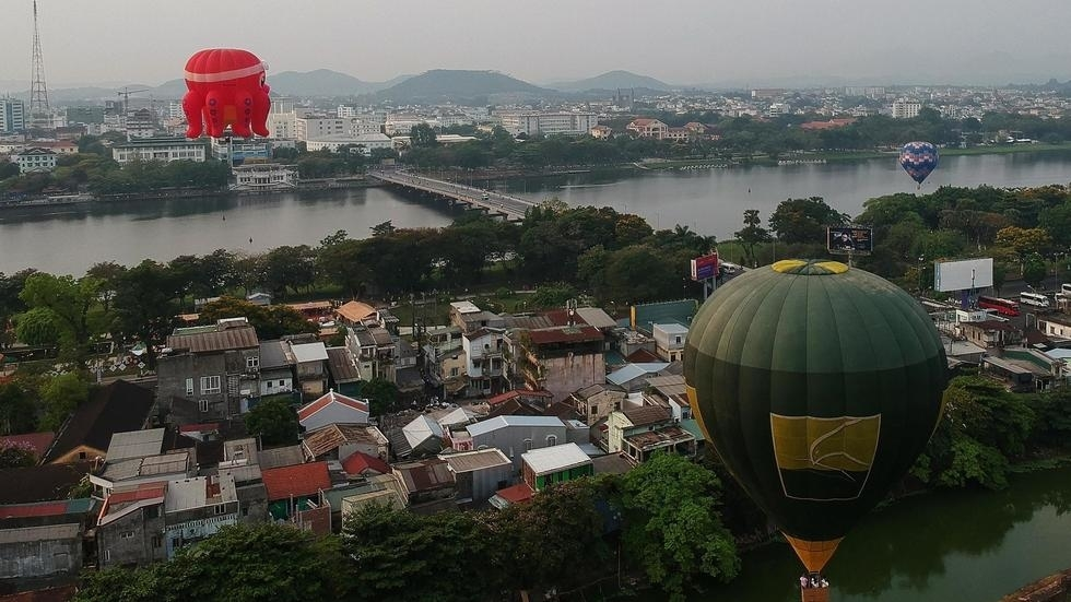 Khinh khí cầu bay trên cố đô Huế (Việt Nam) nhân một Festival Khinh Khí Cầu ngày 28/04/2019. Ảnh minh họa