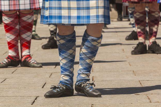 Три пары носок