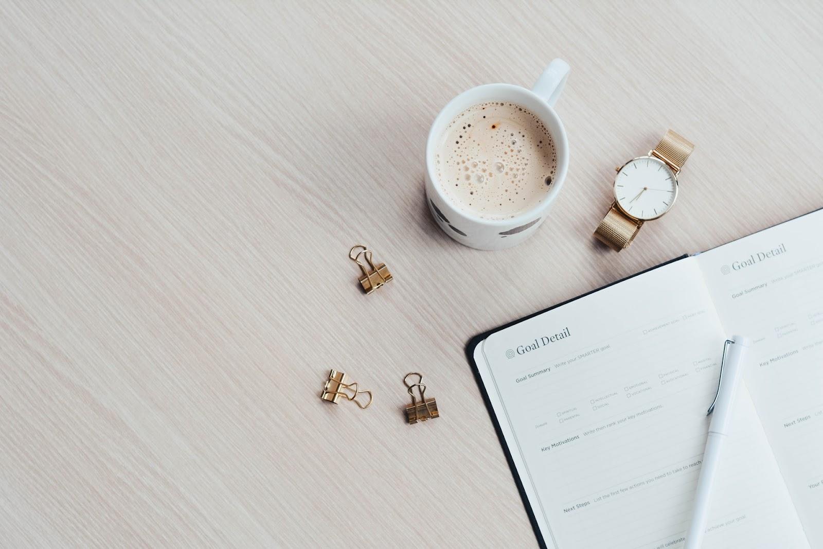 Criar uma rotina é um dos segredos de como organizar seu tempo.