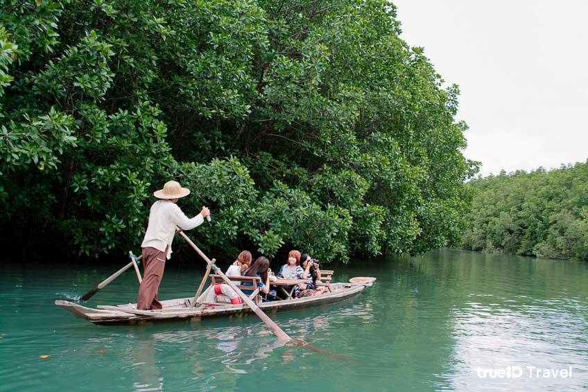 2. ล่องเรือ กอนโดล่าเมืองไทย บ้านสลักคอก