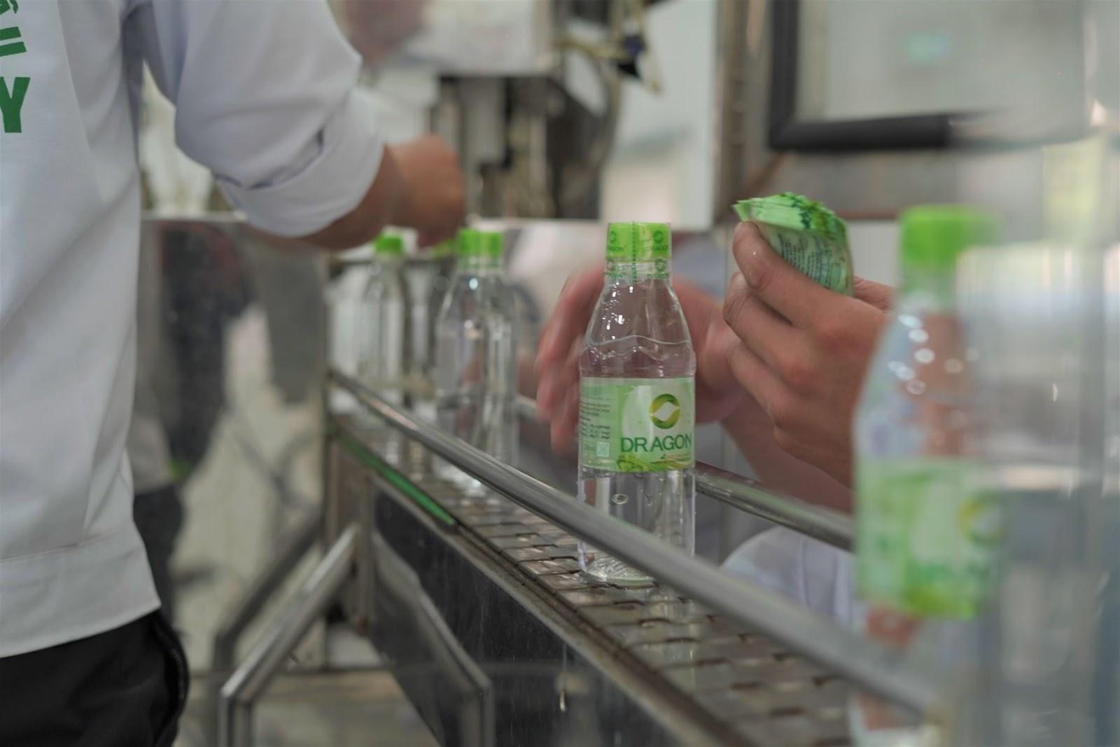 Những tiêu chuẩn chai nhựa cho nước uống đóng chai