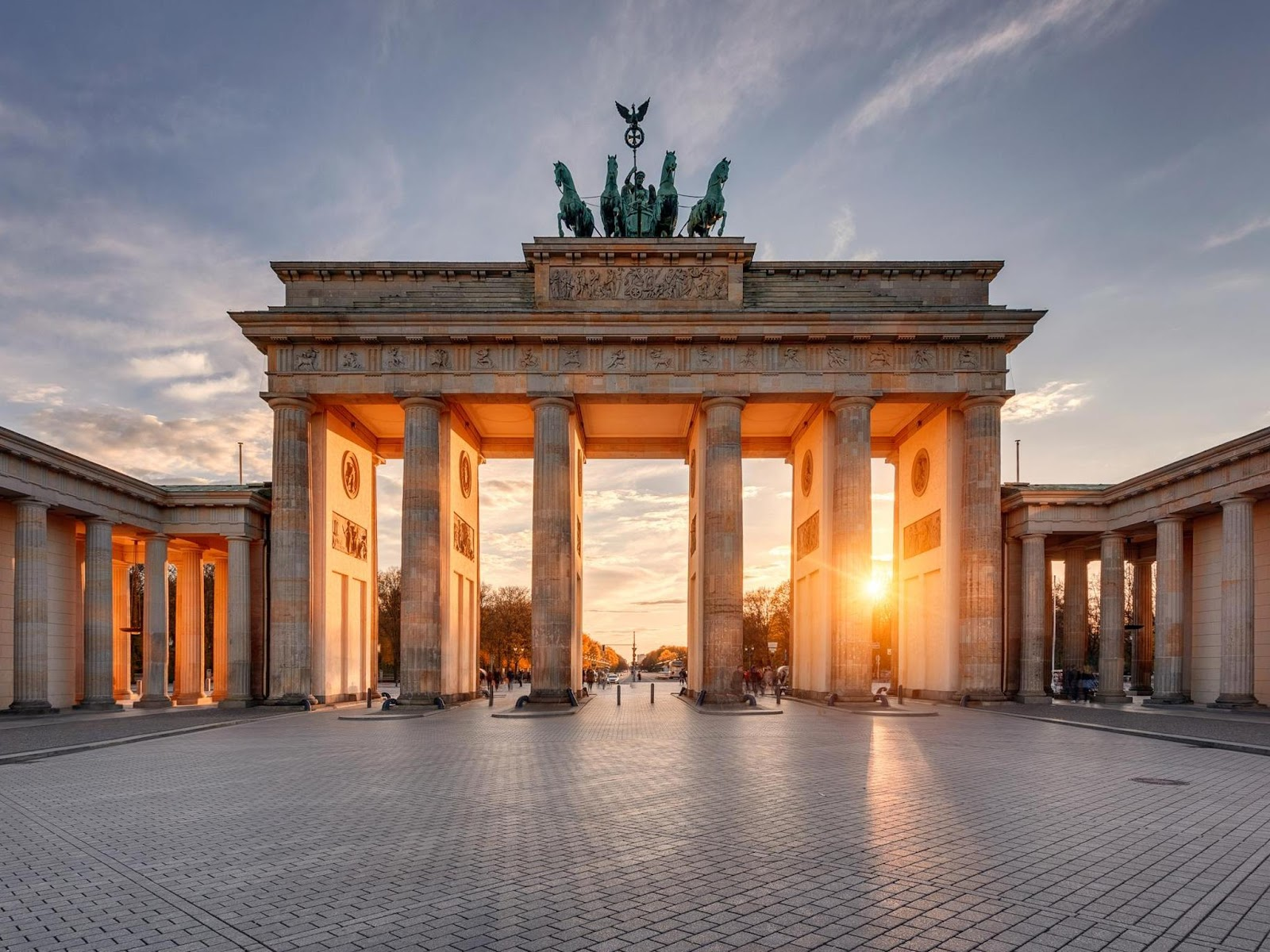 https://wallpapercave.com/brandenburg-gate-wallpapers