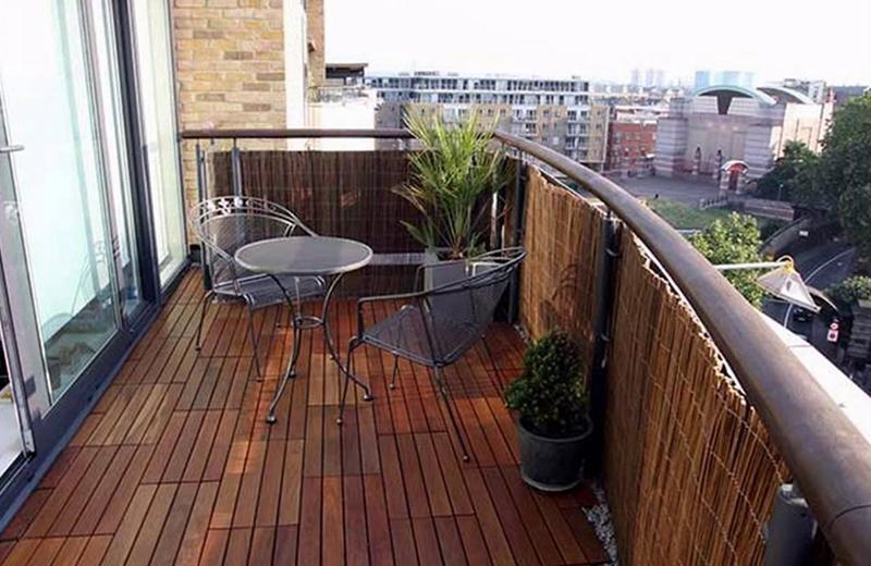 открытый балкон дерево