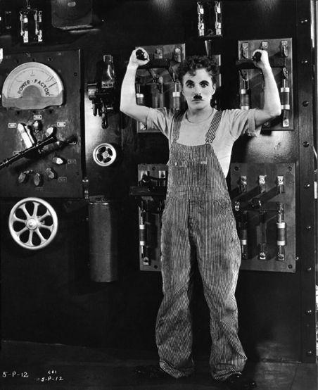 Charlie Chaplin en salopette de travail