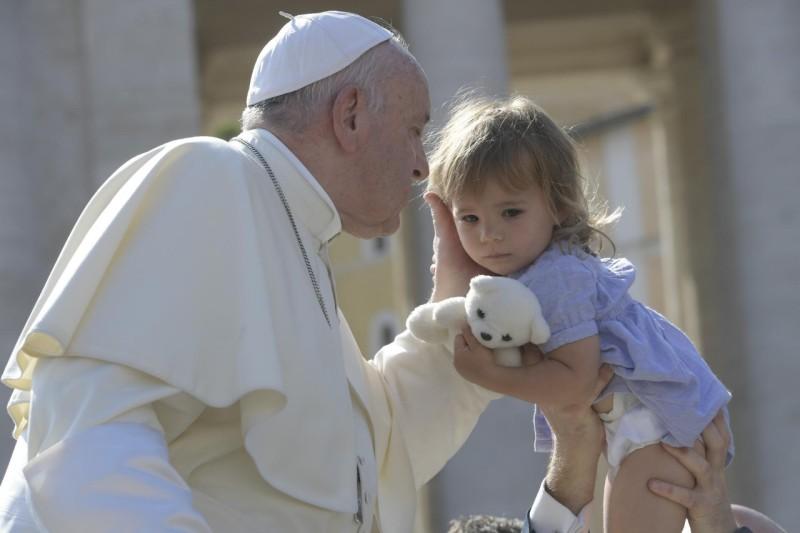 Đức Thánh Cha tiếp tục loạt giáo lý về Công vụ Tông đồ trong buổi Tiếp Kiến Chung