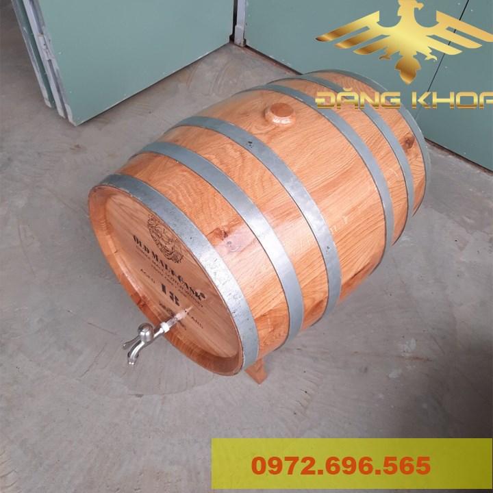 Thùng rượu gỗ được nhiều người ưa thích sử dụng