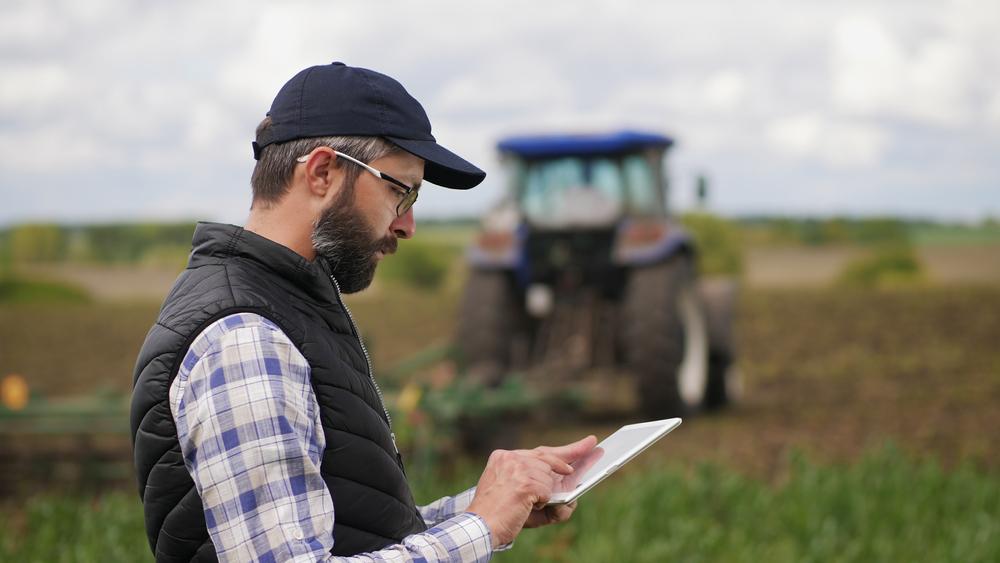 Agro procura profissionais qualificados para preencher novos postos de trabalho. (Fonte: Shutterstock/DedovStock/Reprodução)