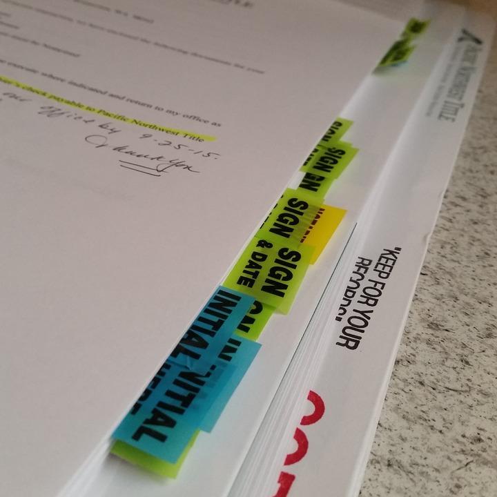 paperwork-1054423_960_720.jpg