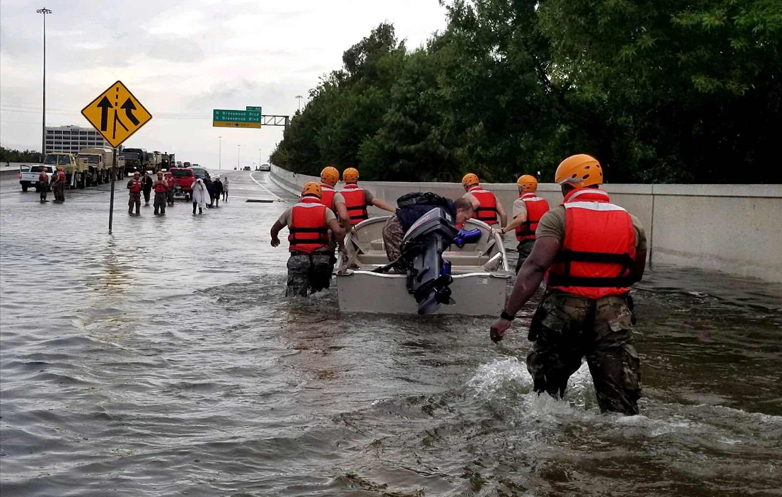 File:Texas Army National Guard Hurricane Harvey Response.jpg ...