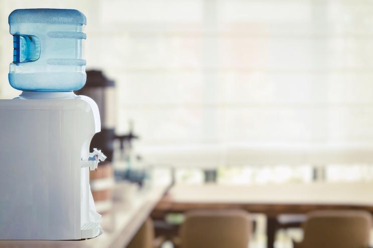 ペットボトルの水・浄水器・宅配水どれがいい?