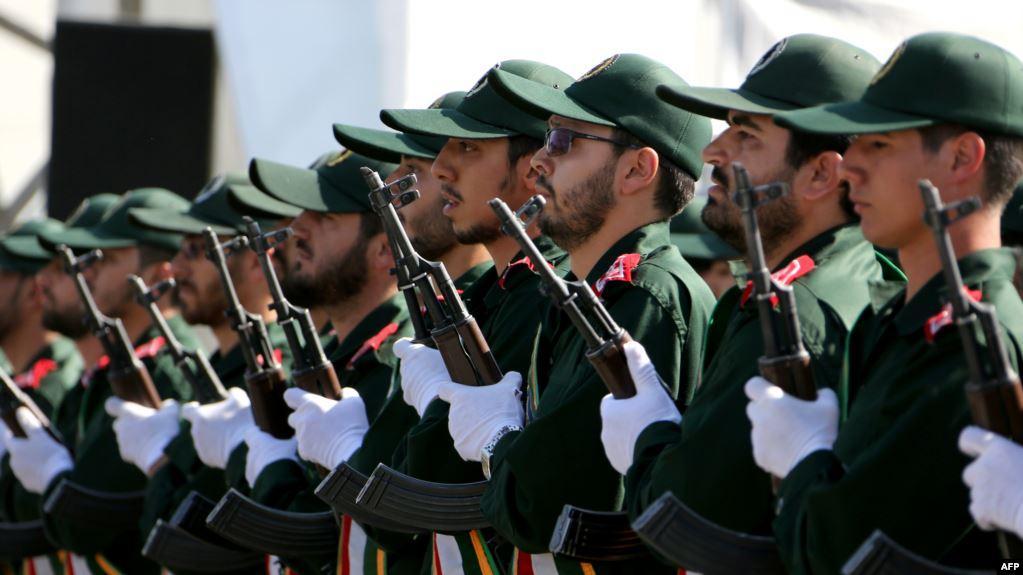 کاظمیان: تصفیه در ارتش نیز بهشکلی فزاینده ـ همزمان با استقرار و تثبیت جمهوری اسلامی ـ پیش رفت.