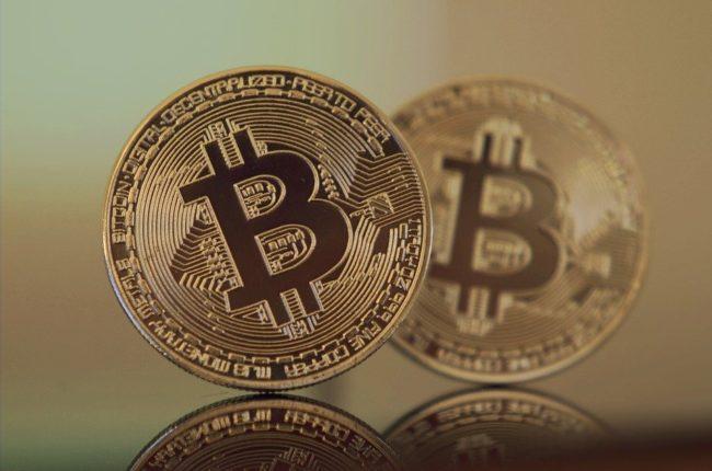 Acusados de maior golpe de bitcoin compram cidadania em ilha