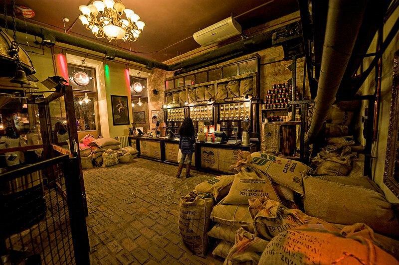 Інтер'єр Львівської копальні кави