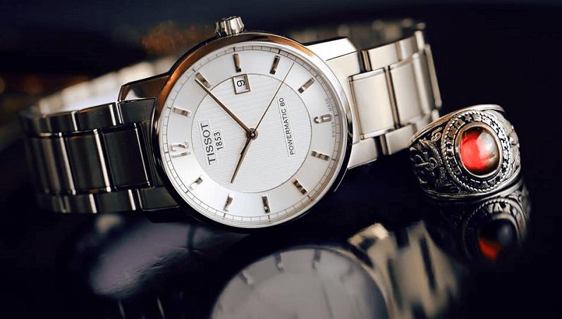 Tại sao khách hàng luôn yêu thích đồng hồ Thụy Sỹ