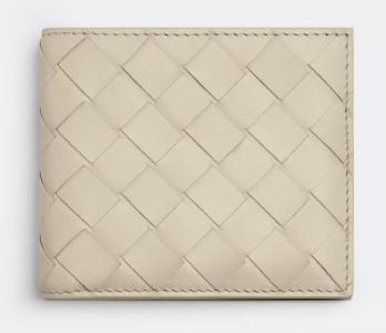 2. กระเป๋าสตางค์แบรนด์ Bottega Veneta