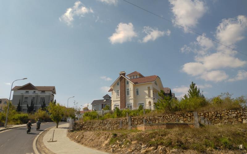 Bất động sản xây biệt thự thích hợp để định cư