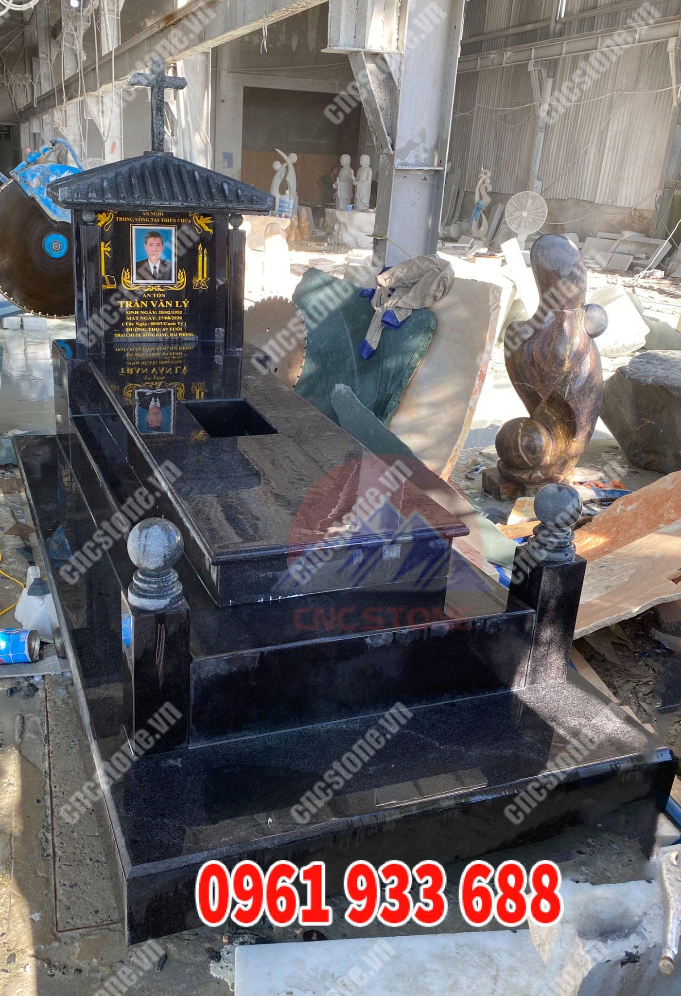Mộ đá tam cấp đá đen Ân Độ tại CNC Stone