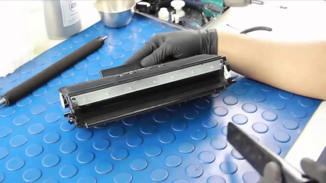 Đổ mực cho máy in dễ khiến máy nhanh hỏng do chất lượng mực kém
