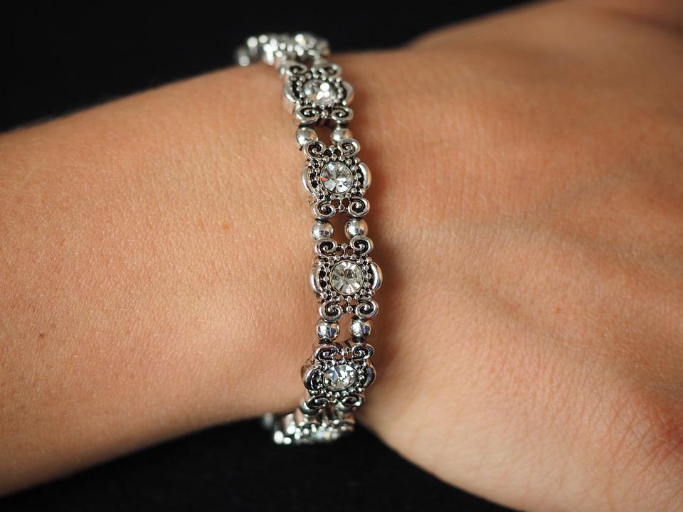 bracelet-671792_960_720.jpg
