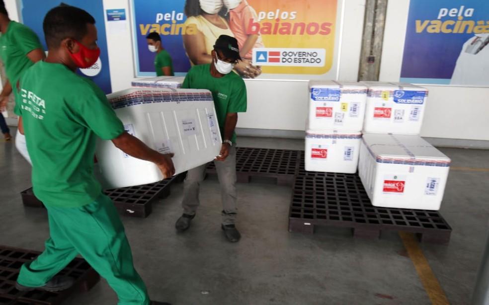 Vacinas serão distribuídas ainda nesta quinta pelas cidades baianas — Foto: Divulgação/Sesab