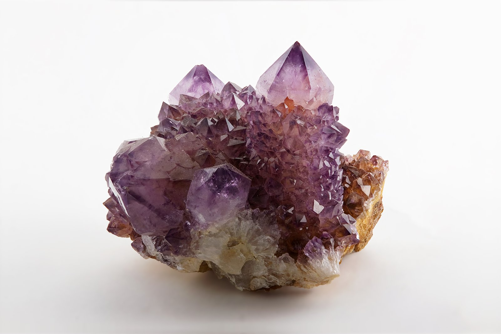 Amethyst._Magaliesburg,_South_Africa.jpg