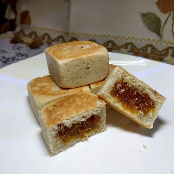 原價   450    純素無蛋奶的土鳳梨酥    有著  淺淺的椰香  酥酥的餅皮   微酸微甜的土鳳梨餡