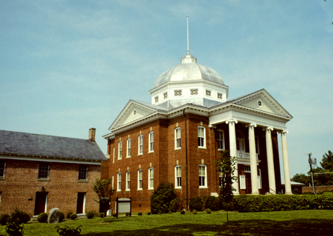 Louisa County VA Courthouse.png