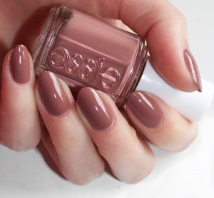 The 6 Best Nail Polish Colors For Fall