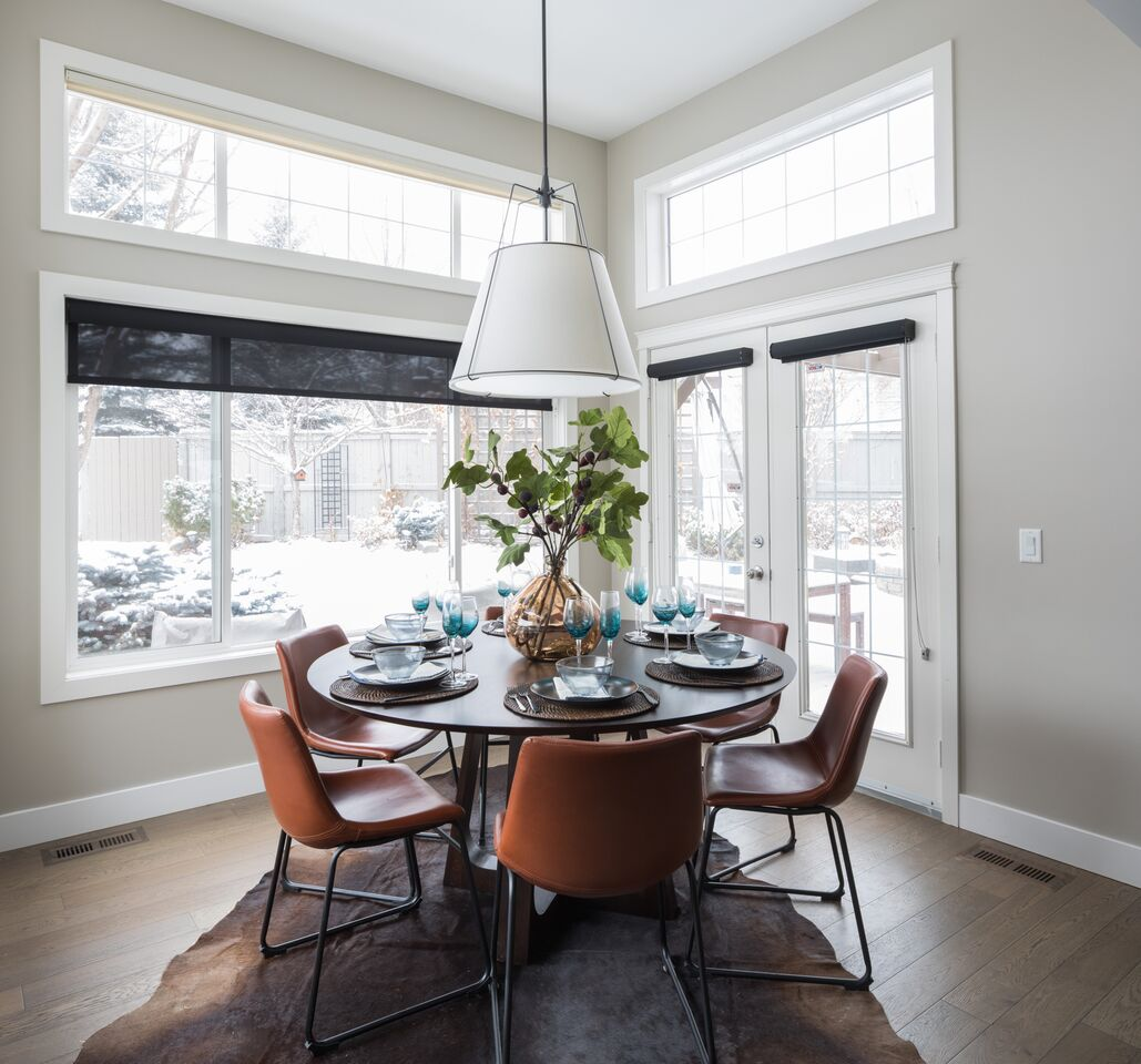Brunch nook design reveal: Calgary interior designer transforms a family home renovation into a colorful, contemporary space.