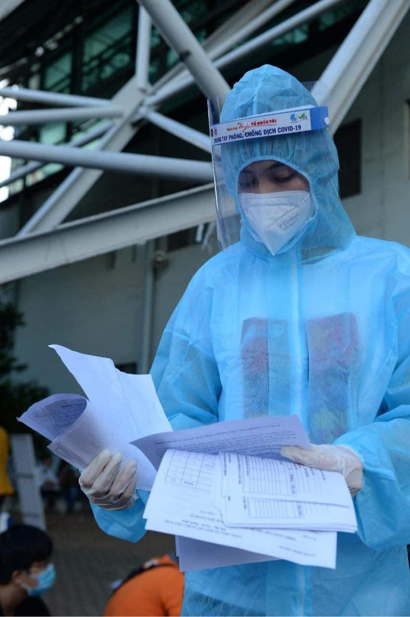 H'Hen Niê, Mâu Thủy, Hoàng My tích cực hỗ trợ công tác tiêm vaccine Covid 19 tại TP.HCM