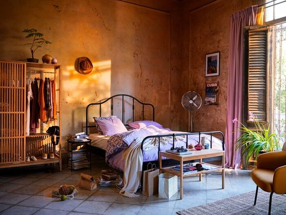 Use the Old Color Palette in Bedroom