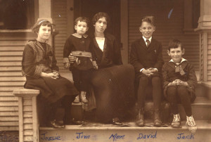 Jim-2nd-from-left-w-mom-&-siblings