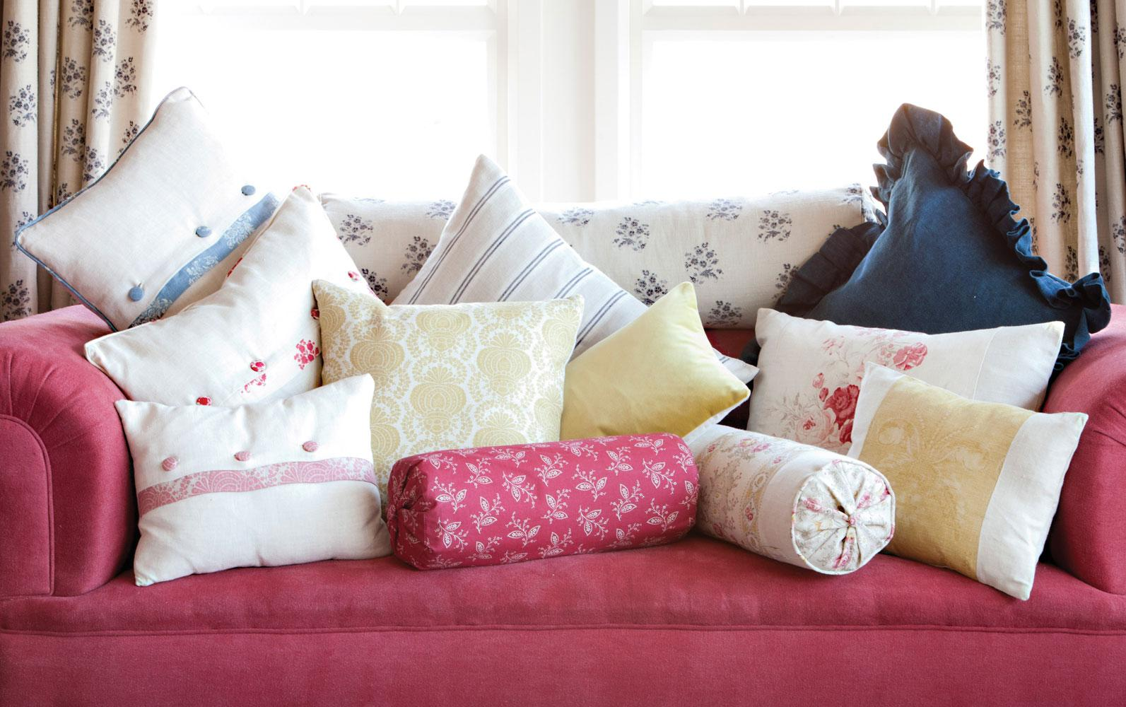 Функции подушек для дивана