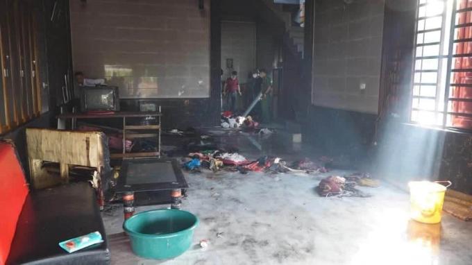 Người mẹ tẩm xăng tự tử ở Hà Tĩnh: 3 con nhỏ tử vong, bản thân sống sót - Ảnh 2