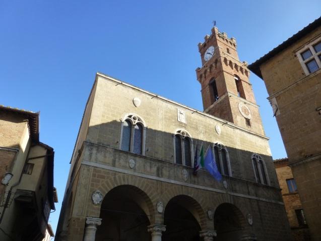 C:\Users\Gonzalo\Desktop\Documentos\Fotografías\La Toscana\103_PANA\103_PANA\P1030477.JPG