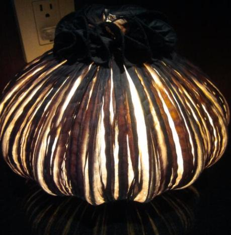 wedding centerpiece idea - table lamp