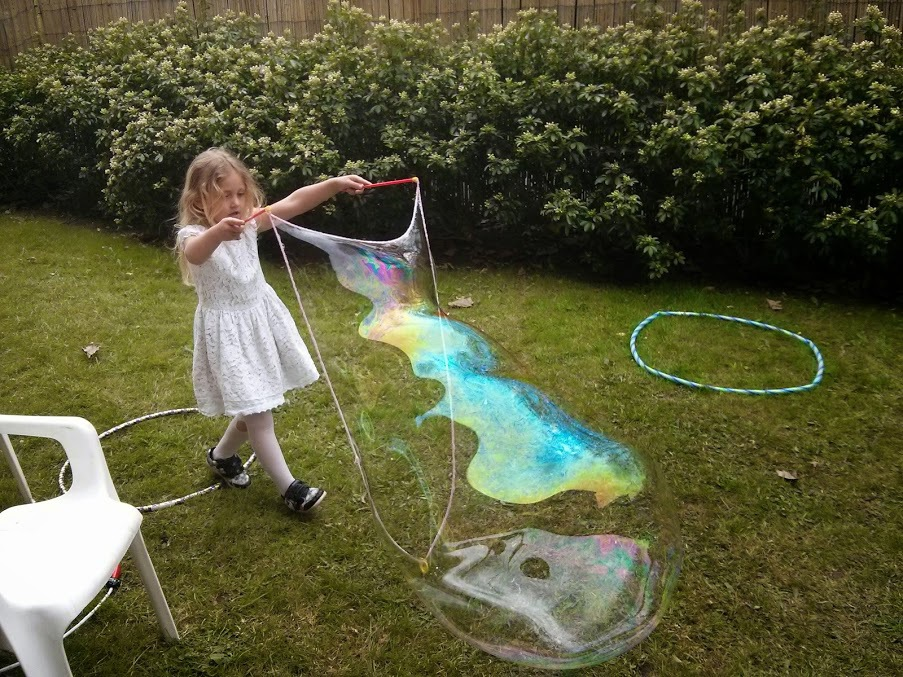 giant-bubbles-lia