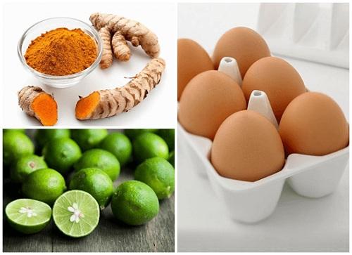 Hỗn hợp bột nghệ và chanh, trứng