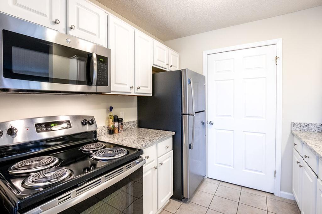 Kitchen Autumn Creek Apartments