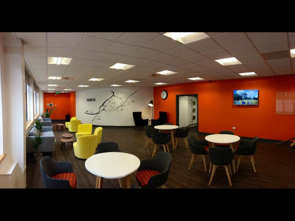 EC English Manchester - lounge