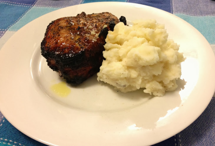 Grilled Fennel-Crusted Pork Chops with mashed potatoes