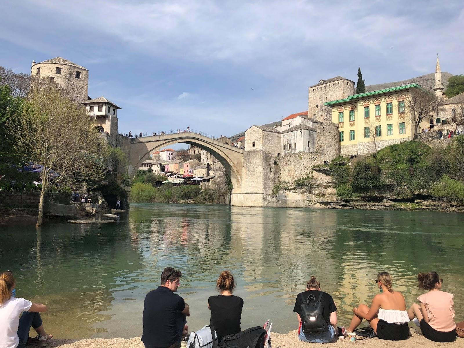 Výhľad na Starý most v Mostare