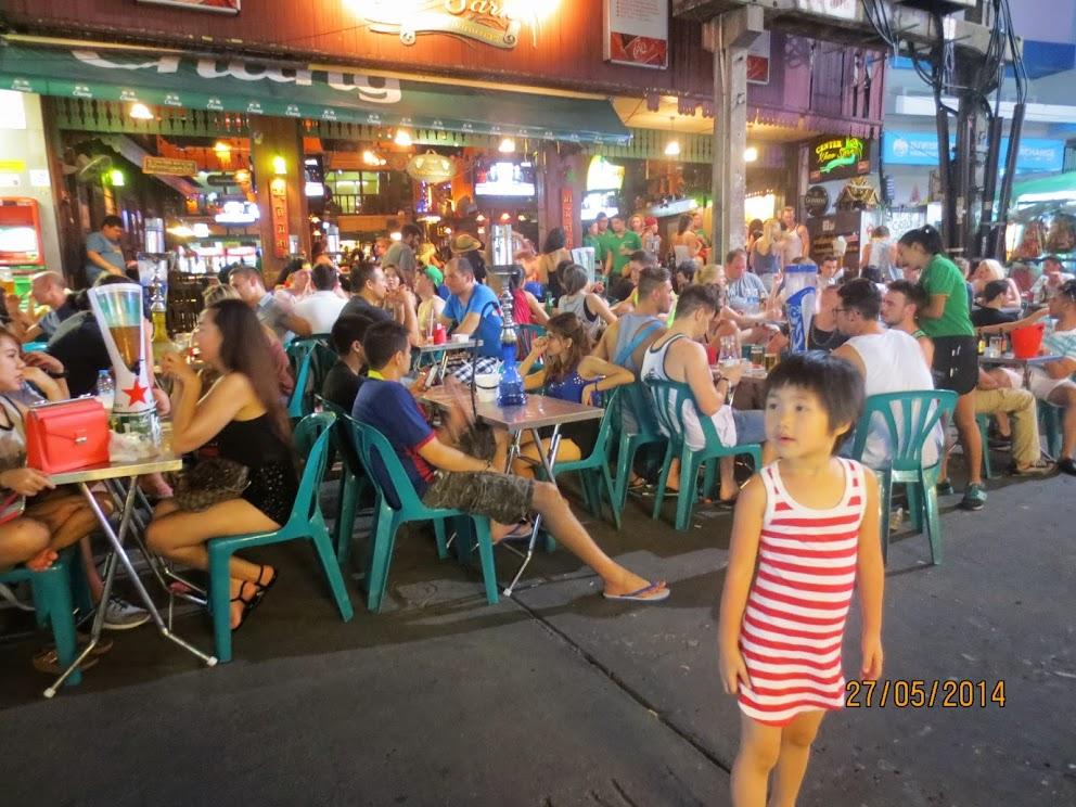 Nhà tóc ngắn đi Thái: Thích thú ở Khaosan Road