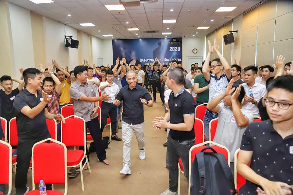 Nguyễn Tùng Sơn (Son Piaz) và con đường giúp hàng nghìn người trẻ trở nên thành đạt  - Ảnh 3